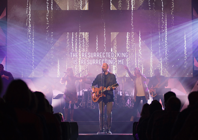 23 Willow Creek Community Church